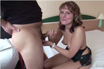 MILF és férje szexvideót készít